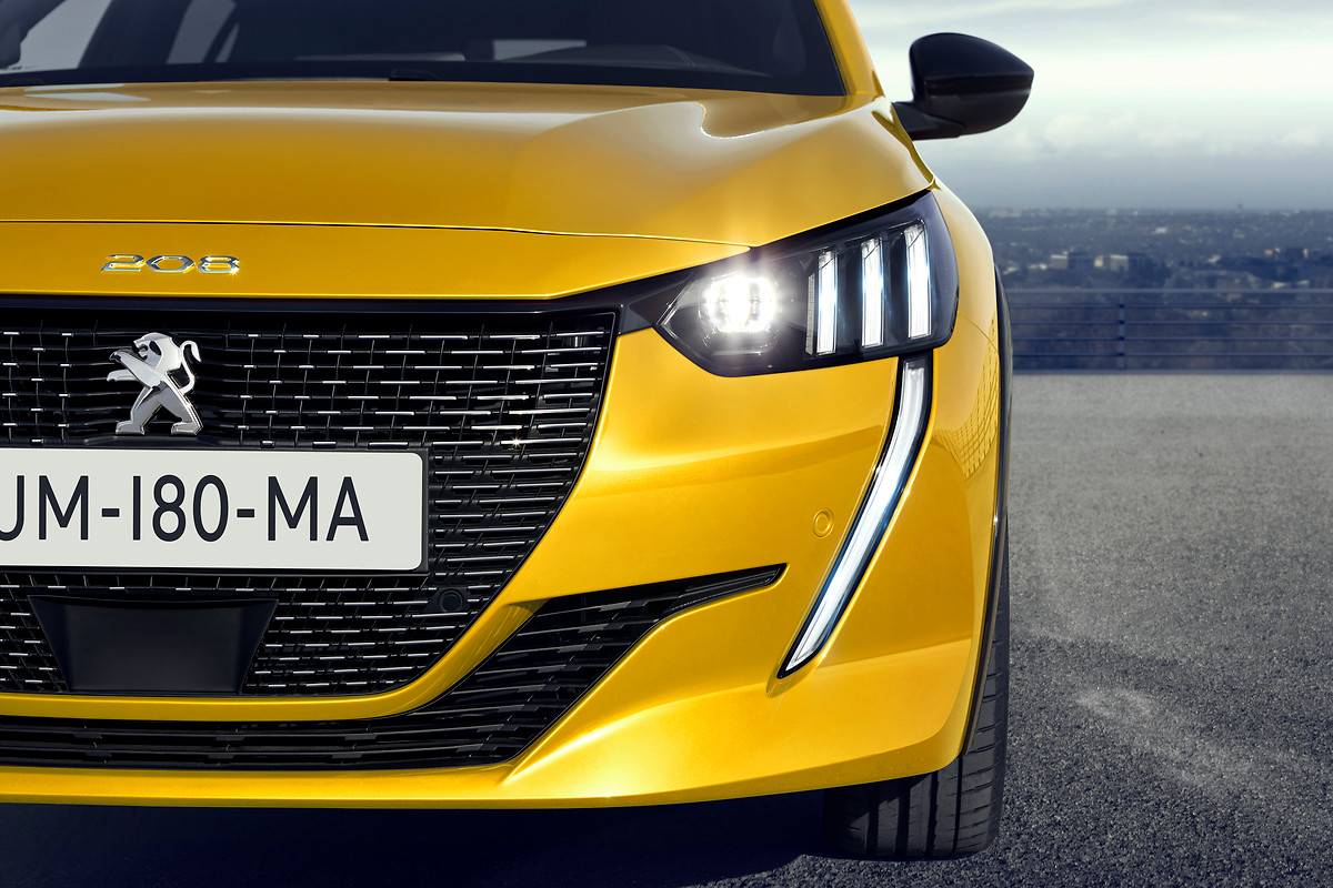 Nuova Peugeot 208 100% elettrica il Leone con le batterie