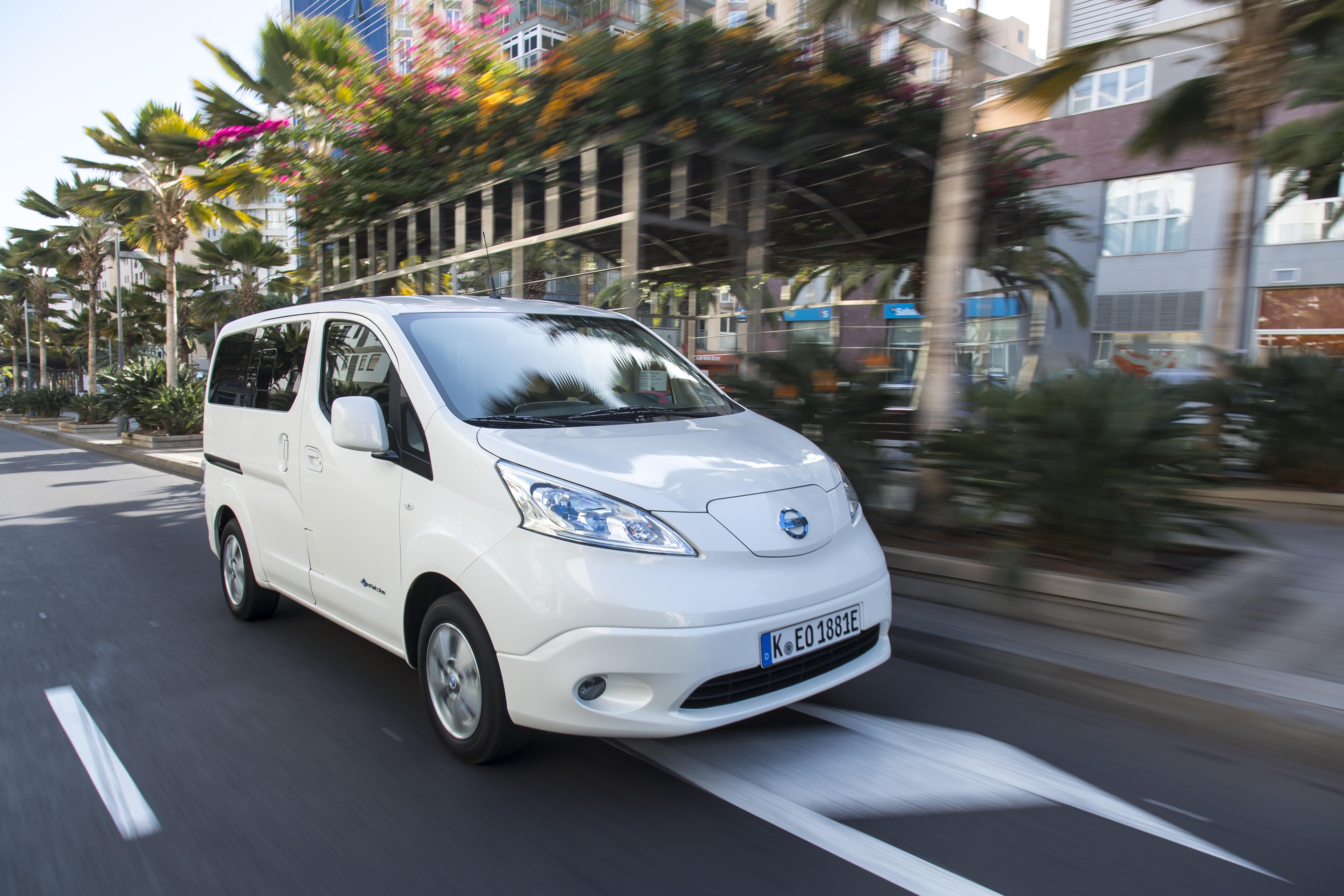Nissan e-NV200 progetto e-Van sharing per tutti a Roma e Firenze – Dossier