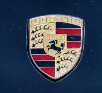 Lezione Porsche sul futuro elettrico meno utili oggi per guadagnare domani