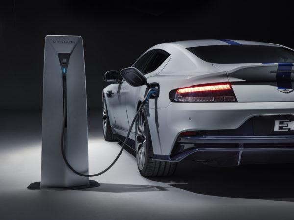 Aston Martin Rapide E agente 007 a zero emissioni