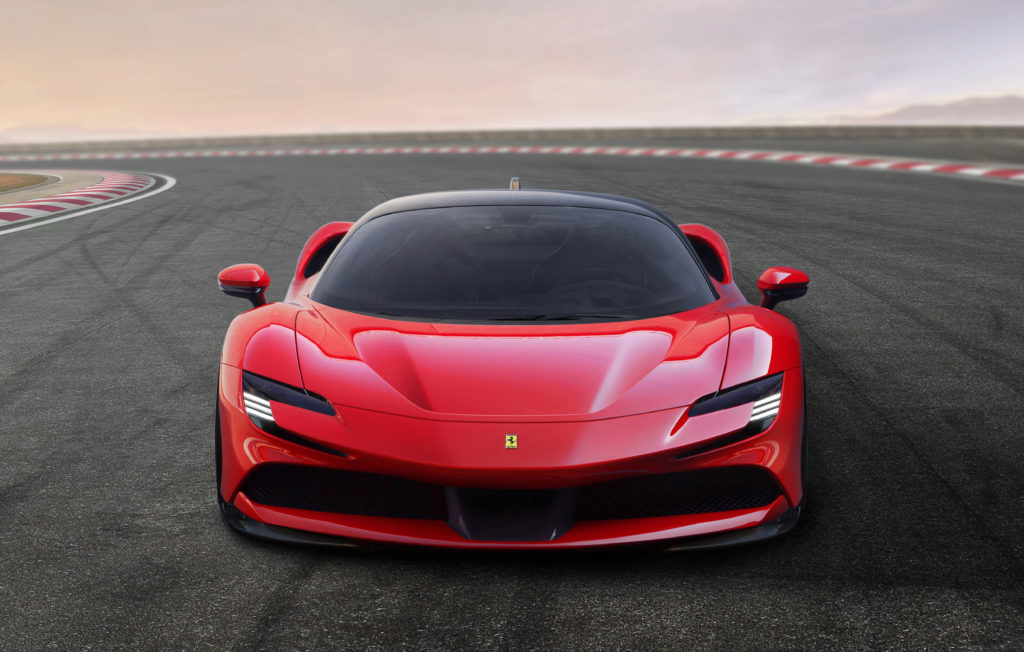 Ferrari SF90 Stradale il Cavallino volante – Il Ruggito