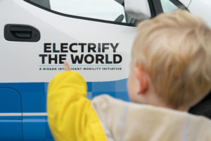 Nissan e-NV200 concept furgone gelati electrify the world bambino