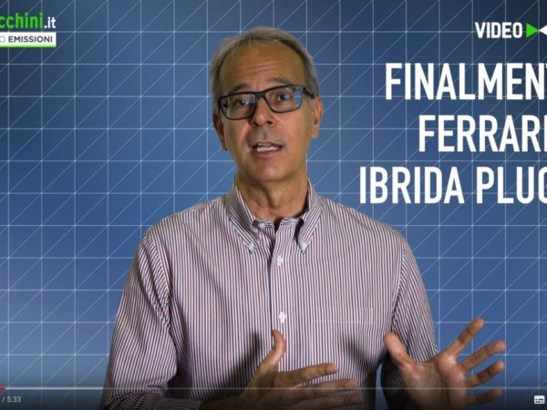 Video sfida Ferrari SF90 Stradale ibrida plug-in