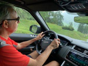 Alla guida della Range Rover sulle Dolomiti