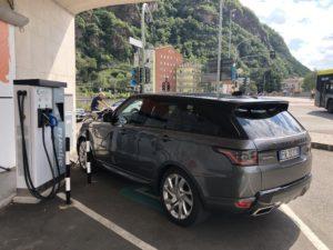 Range Rover ibrida ricarica a Bolzano