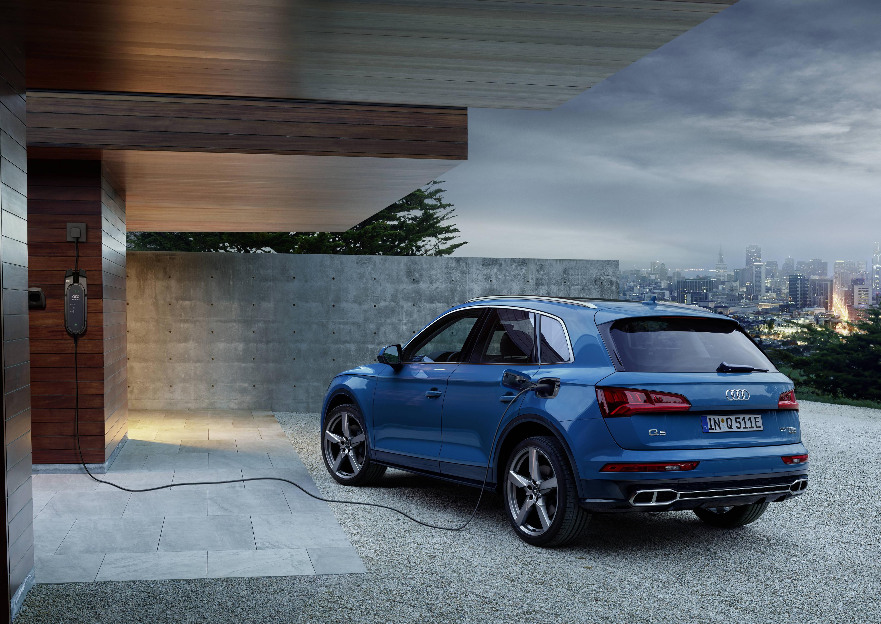 Audi Q5 TFSI e, l'ibrido plug-in prova ad entrare nel vivo