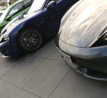 Taycan, in viaggio con la Porsche a 911 Volt