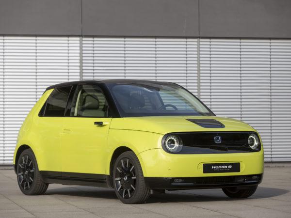 Honda e gialla davanti