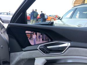 telecamera specchietto Audi e-tron Masdar City 2018