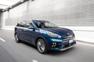 Kia Niro Hybrid dinamica tre quarti davanti