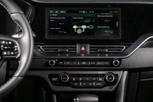 Kia Niro Hybrid display con flussi energia ibrido