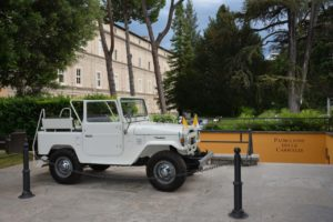 Toyota Land Cruiser BJ40 papamobile