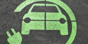 Auto elettrica asfalto