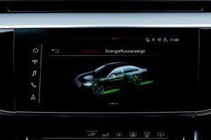 Audi A8 L 60 TFSI e diaplay