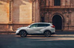 Honda CR-V Hybrid vista laterale dinamica