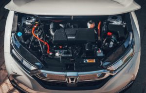 Vista interno cofano motore Honda CR-V Hybrid