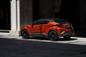 Tre quarti posteriore Toyota C-HR 2020