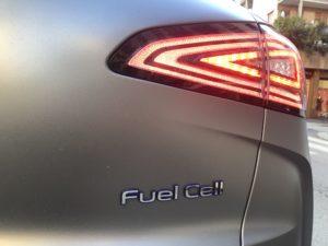 Scritta Fuel Cell dietro la Hyundai Nexo