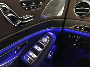 Mercedes 560e EQ Power interno lato guida
