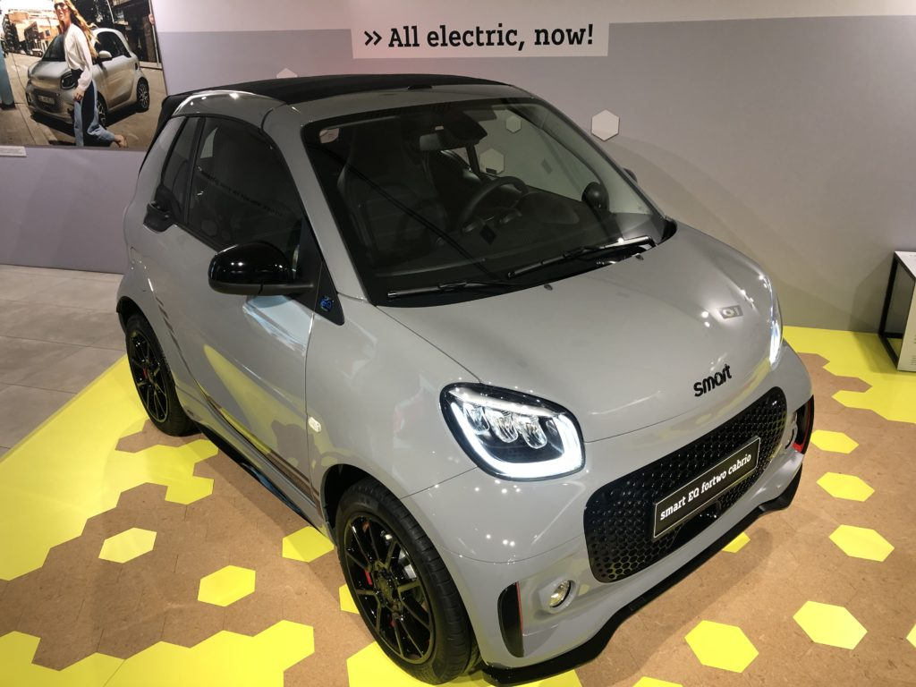 Smart EQ Fortwo con scritta all electric Valencia 2020