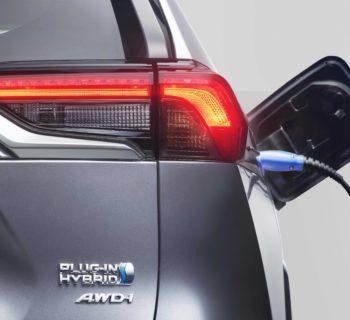 Toyota, quando i maestri dell'elettrificazione suonano la carica verso il 2025