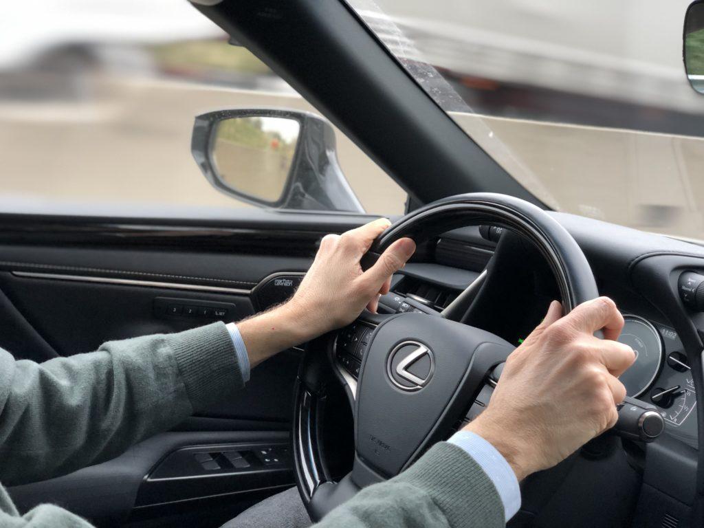 Mani FO volante Lexus