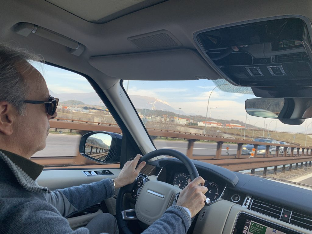 FO viaggio in autostrada Range Rover