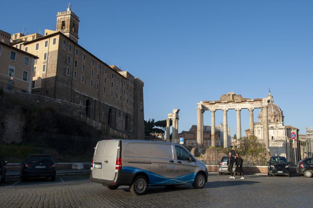 Mercedes eVito ruderi Roma