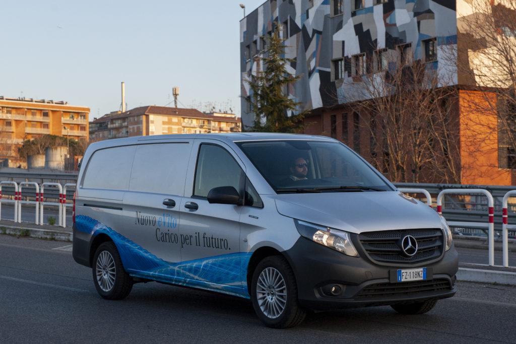 Mercedes eVito su strada