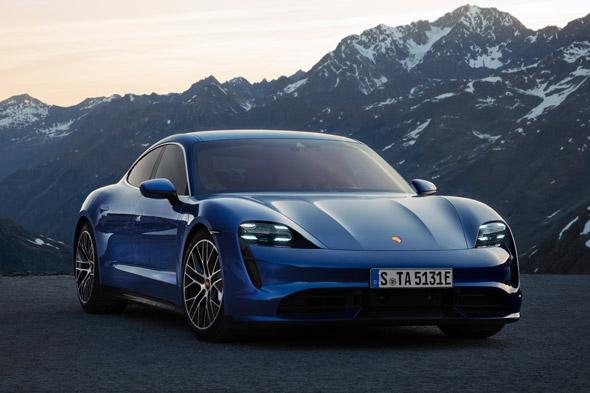 Porsche Taycan Coty 2020