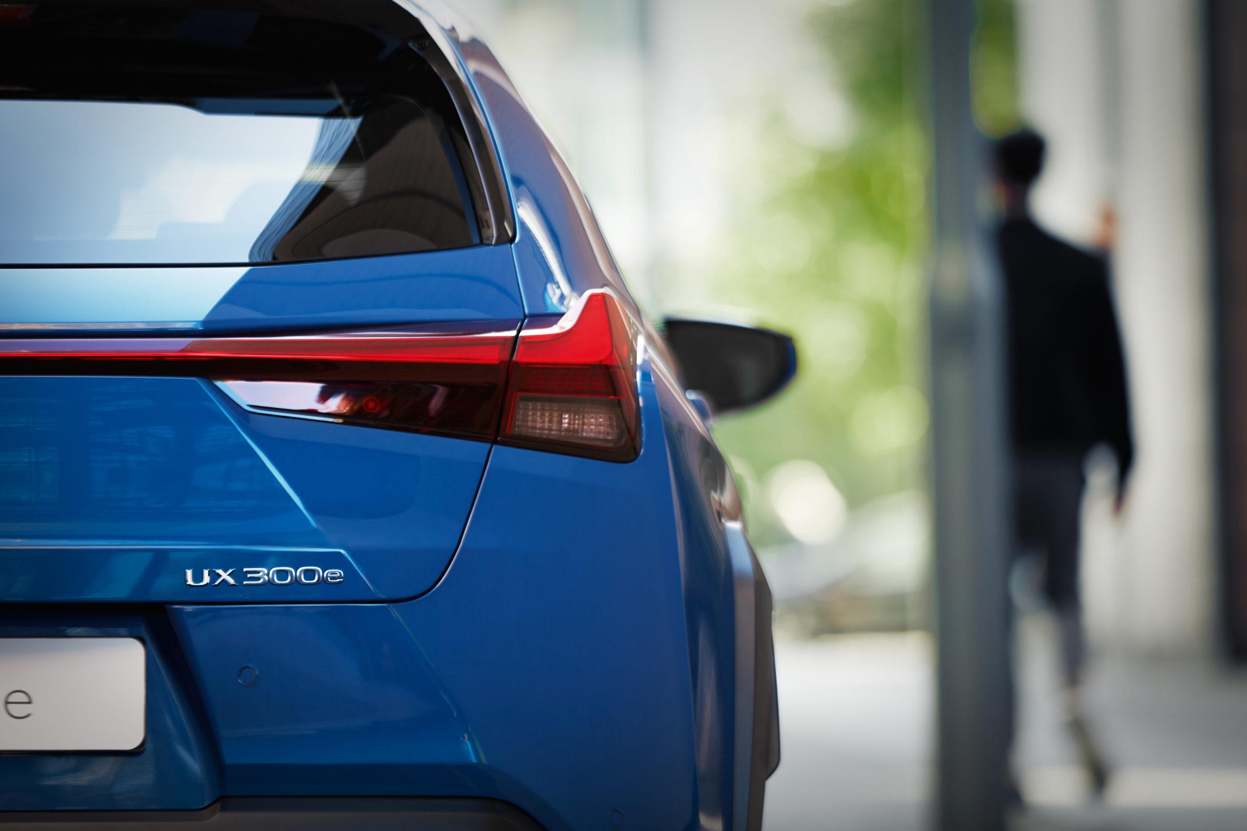 Lexus UX 300e, debutto europeo a Ginevra per la prima elettrica globale di Toyota