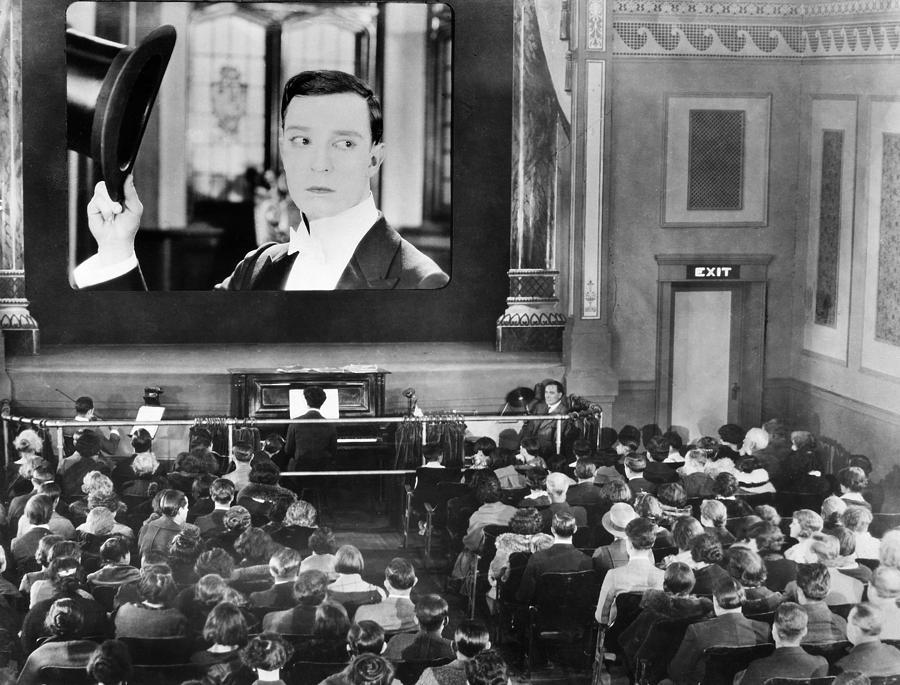 Coronavirus e futuro dell'auto Cinema anni 30