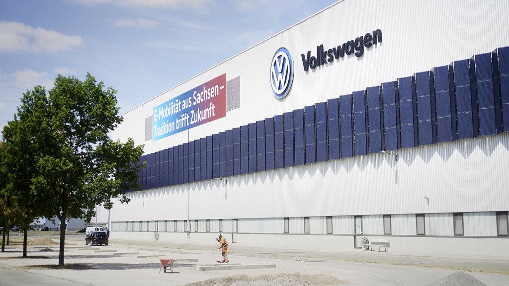 """Zwickau, la fabbrica """"azzerata"""" di Volkswagen"""