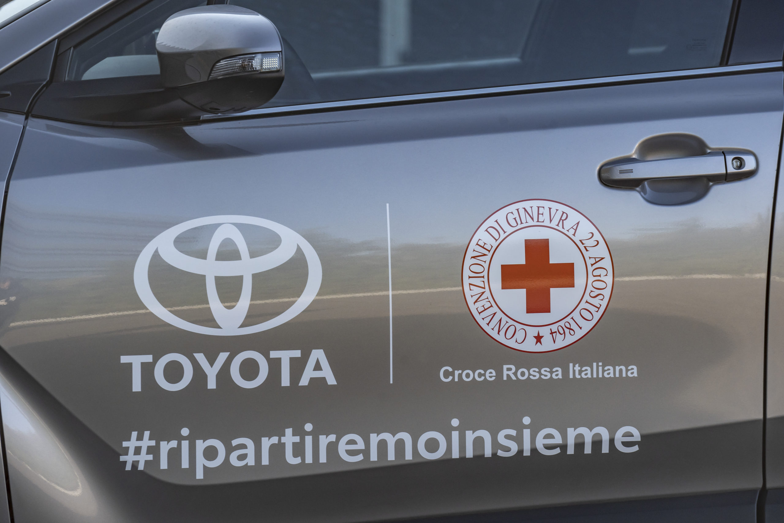 Coronavirus, Toyota Italia aiuta la Croce Rossa insieme alla rete dei concessionari