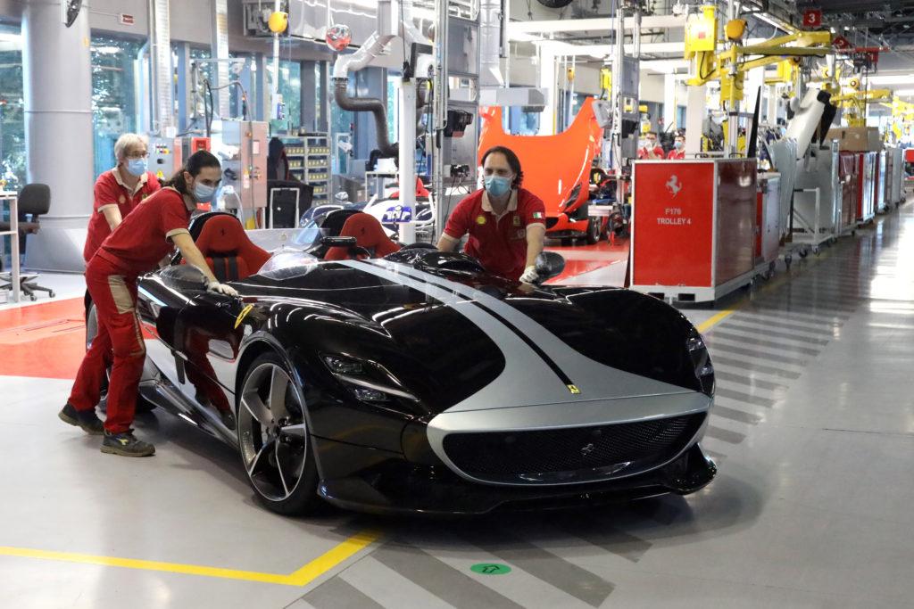 Ferrari riprende produzione