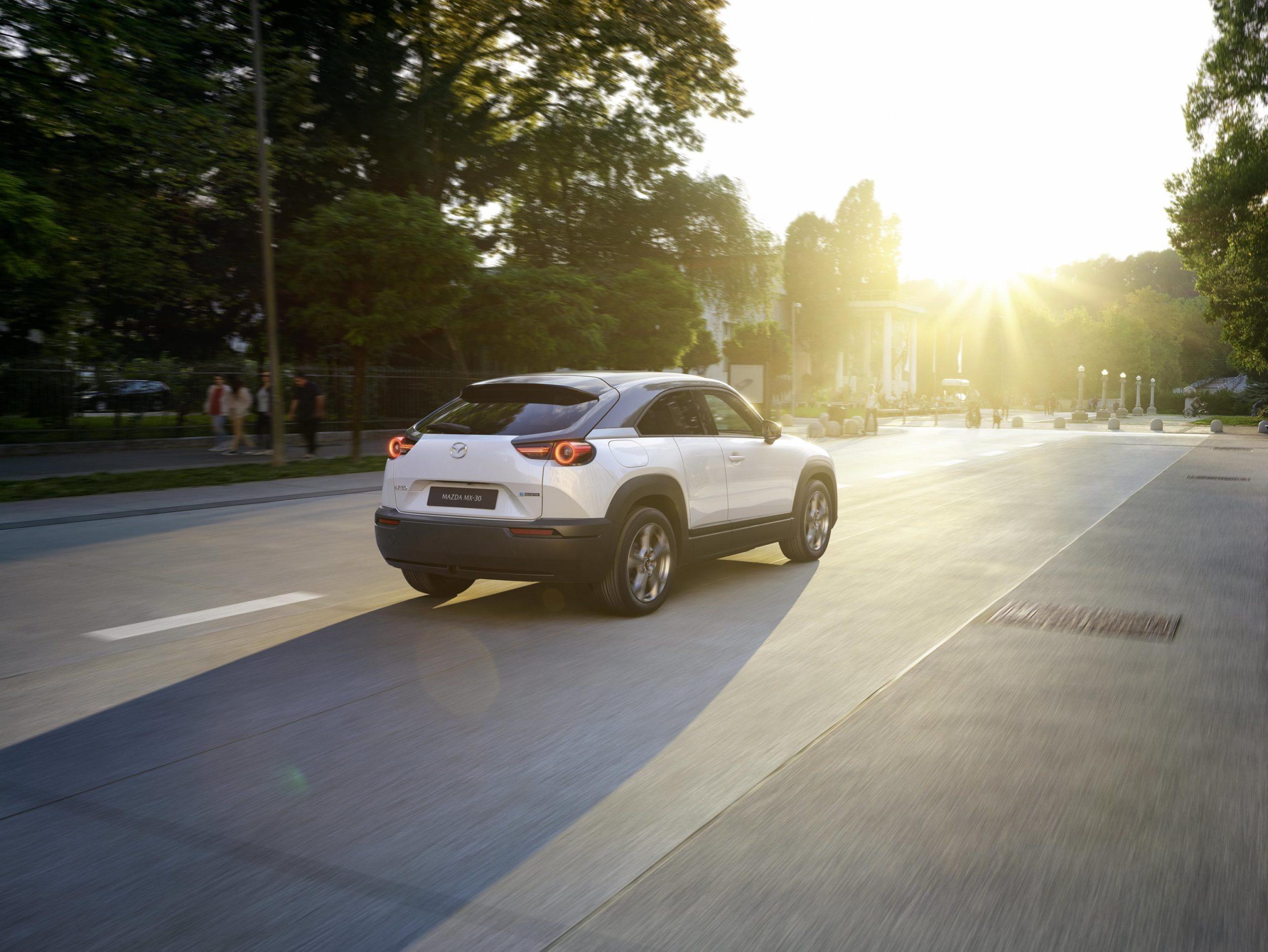 Mazda MX-30, la Launch Edition ordinabile online fino al 31 maggio, ripartire vuol dire partire.