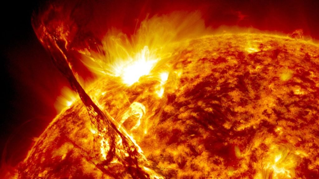 Nubi di Plasma sul Sole