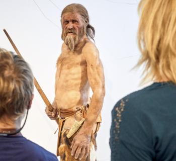 La casa gelata di Ötzi, l'uomo venuto dal ghiaccio più vecchio delle Piramidi