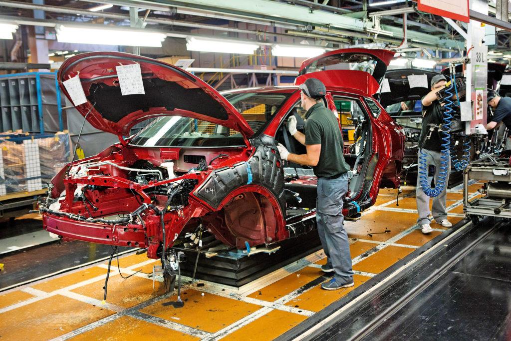 Industria auto linea di assemblaggio