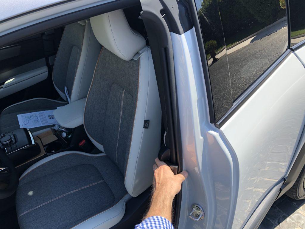 Mazda MX-30 porta posteriore