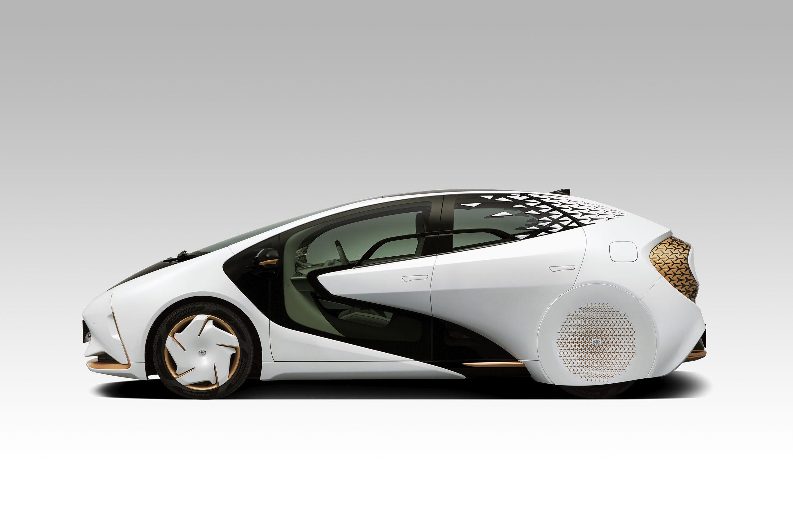 La batteria del futuro di Toyota è allo stato solido agli ioni floruro