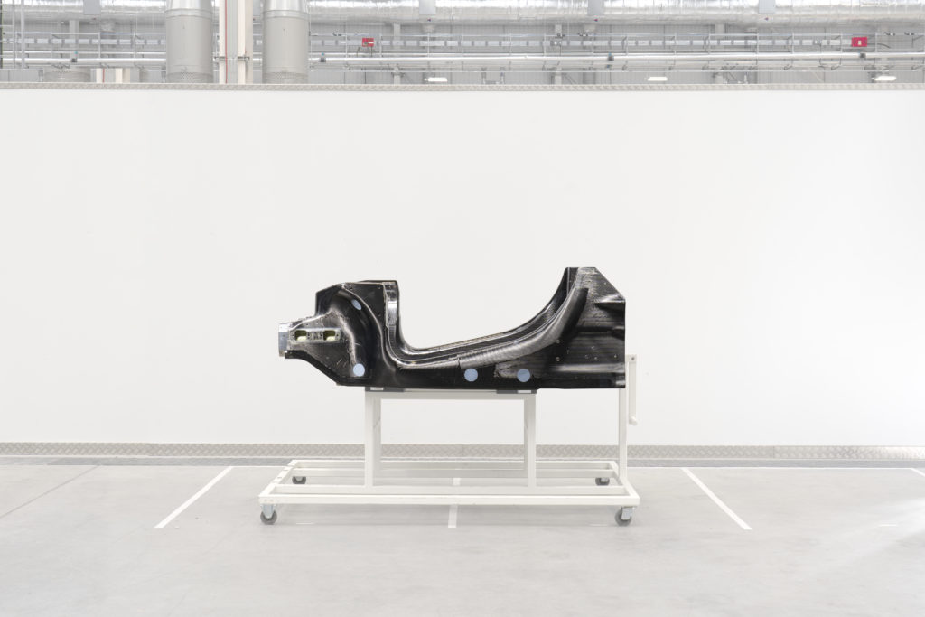 McLaren nuova scocca in carbonio
