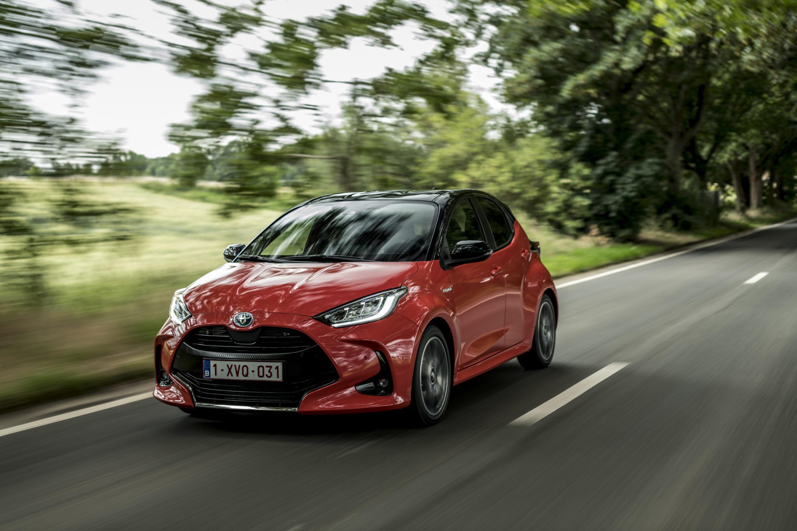 WeHybrid insurance, con la Toyota Yaris Hybrid se viaggi a zero emissioni non paghi l'assicurazione