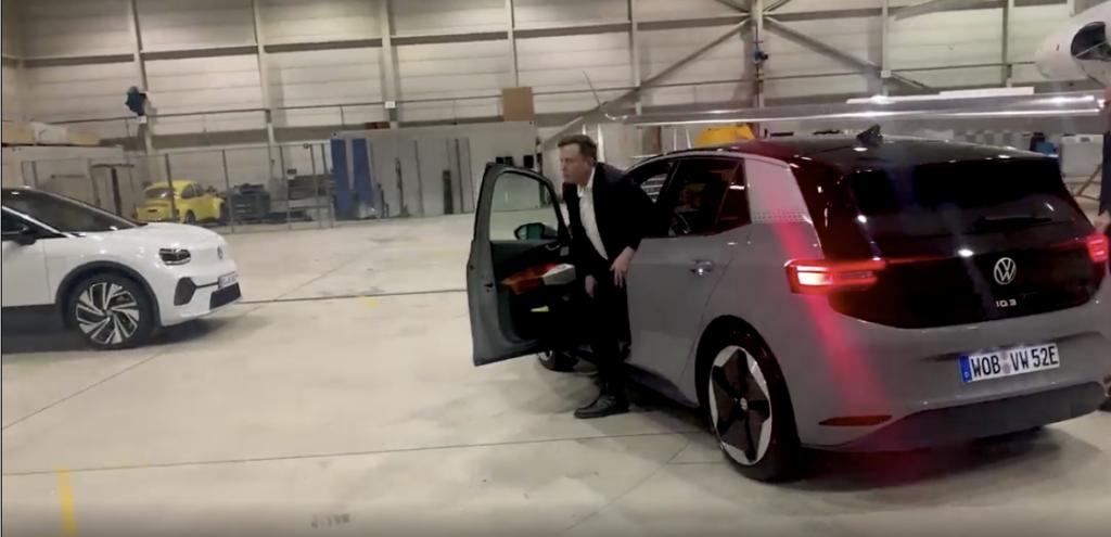 Elon Musk esce dalla Volkswagen ID.3
