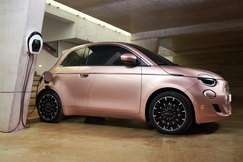 Fiat 500 elettrica 3+ ricarica