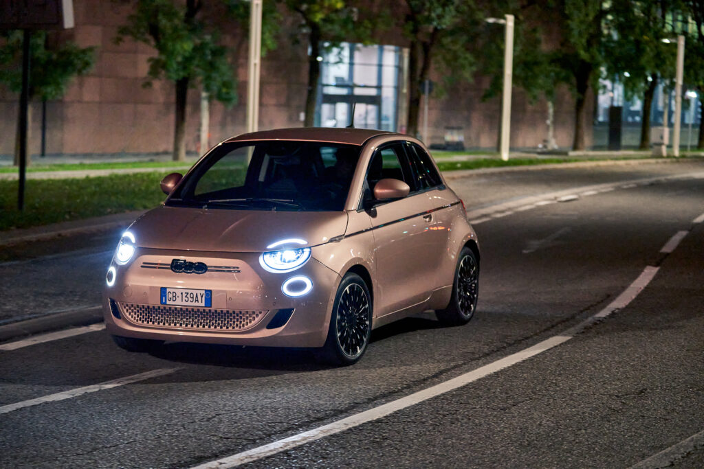 Fiat 500 elettrica 3+1 notte dinamica