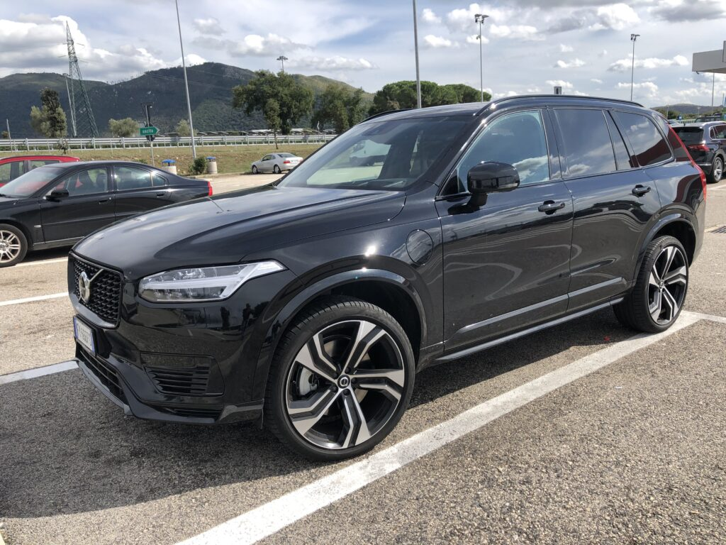 Volvo XC90 plug-in hybrid nera