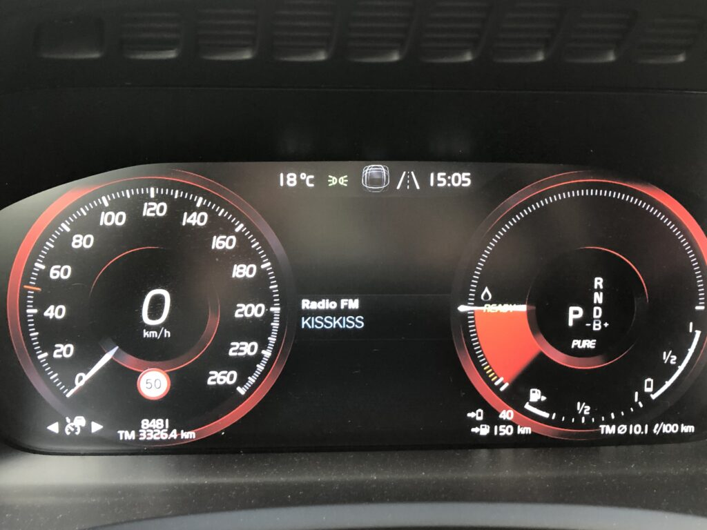 Quedro strumenti Volvo XC90 Plug-in hybrid
