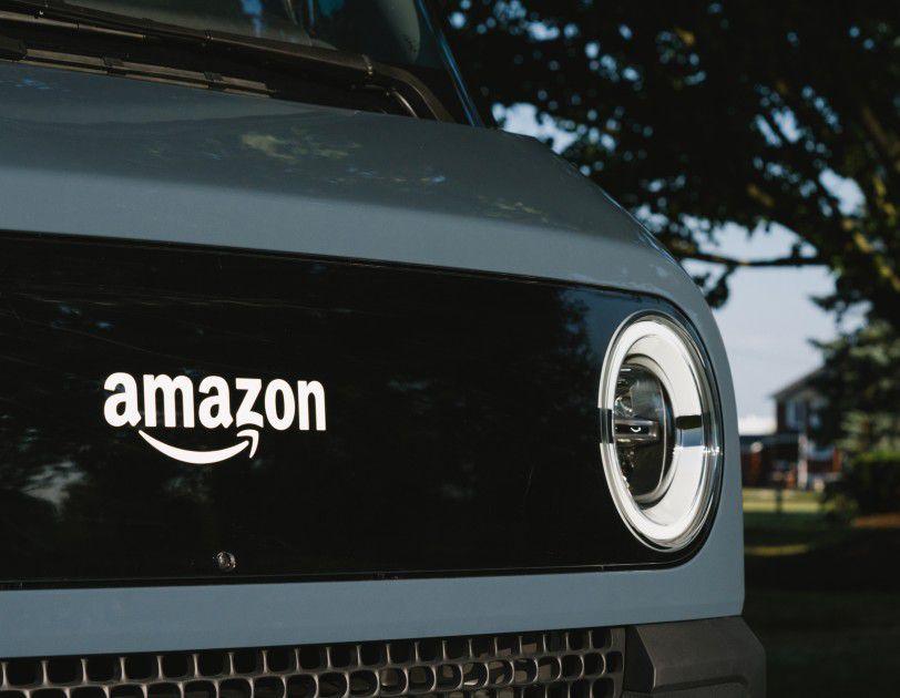 Amazon, ecco il primo furgone elettrico fatto in casa con Rivian
