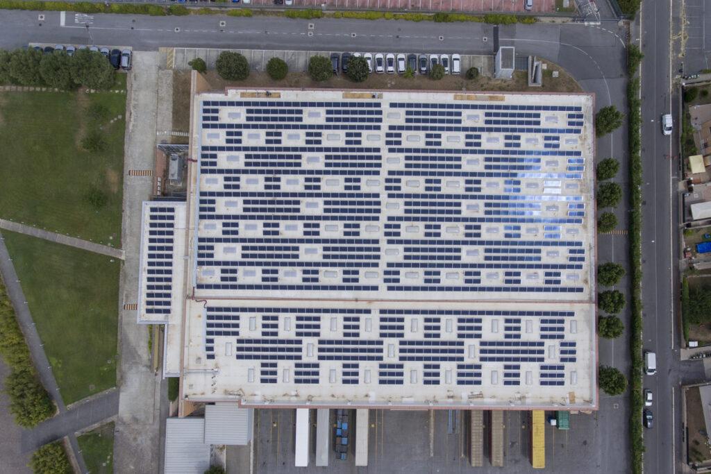 Toyota Green Pannelli fotovoltaici edificio magazzino